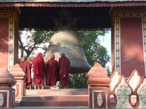 Kloosters op bezoek bij monniken bij Mandalay Myanmar