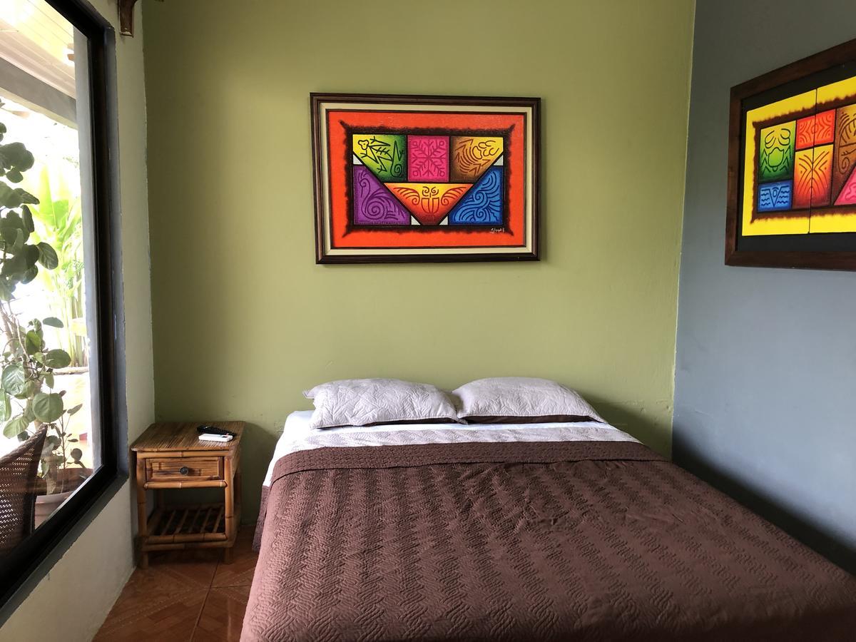 Millenium Hostels Playa Manuel Antonio Costa Rica