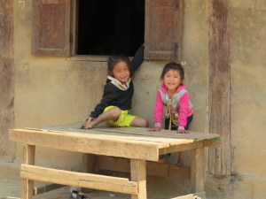 Kinderen-in-Nong-Khiaw-Laos