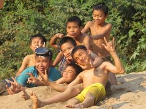 Kinderen-in-Muang-Ngoi-Laos