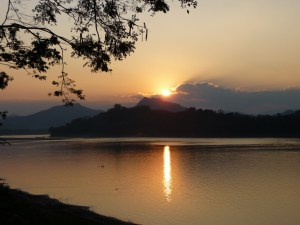 Zonsondergang-aan-de-Mekong-Laos