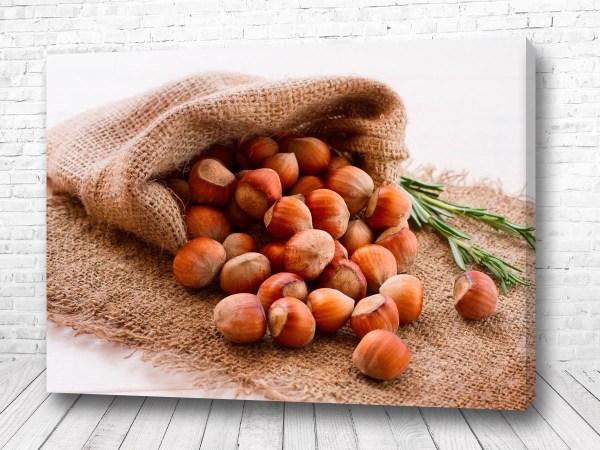 Постер Мешочек лесного ореха