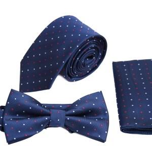 Blauwe stropdas in pakket met strik en zakdoek met gekleurde stippen.