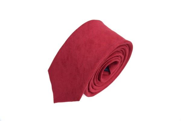 Rode suède stropdas.