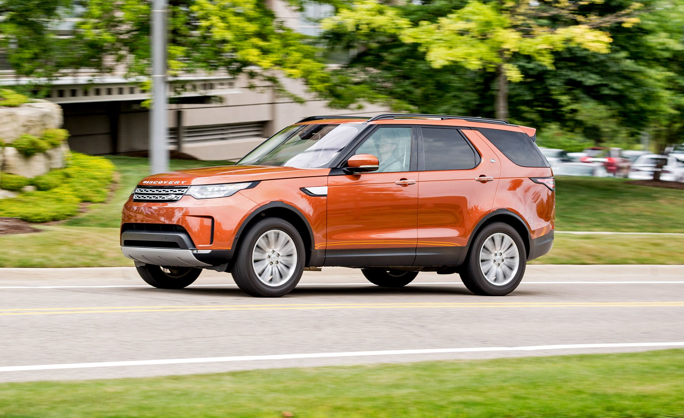 2017 Land Rover Discovery In Depth Model Review