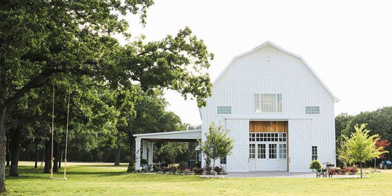 30 Charmingly Rustic Barn Wedding Venues Rustic Wedding