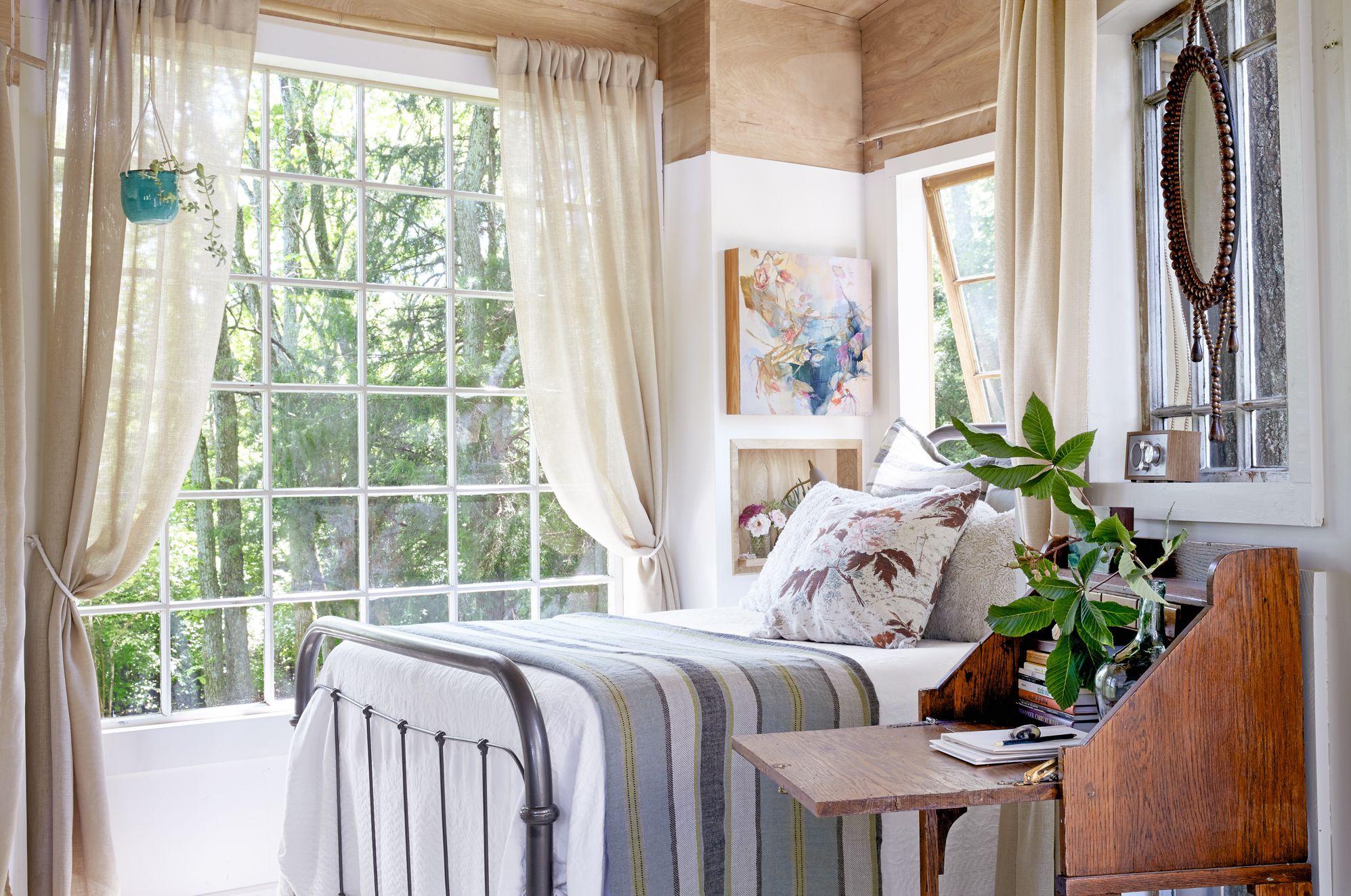 42 Cozy Bedroom Ideas - How To Make Your Room Feel Cozy on Cozy Teenage Room Decor  id=57577