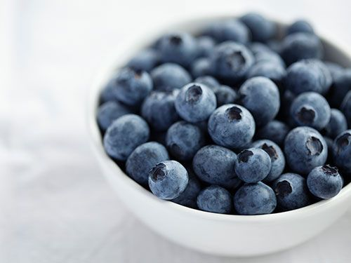 """<p><strong>Natasha says:</strong> """"The anti-oxidants in blueberries help with premature ageing of the skin"""". They fight free radicals which attack your skin.</p><p><strong>Try eating:</strong> Organic blueberries. According to the Environmental Working Group, blueberries fall under foods that store pesticides more than others so eating organic will maximise their value.</p><p><a href=""""http://www.cosmopolitan.co.uk/diet-fitness/diets/10-best-weight-loss-tips"""" target=""""_blank"""">GOLDEN WEIGHT LOSS RULES</a></p><p><a href=""""http://www.cosmopolitan.co.uk/diet-fitness/diets/health-benefits-of-protein"""" target=""""_blank"""">WHY YOU SHOULD EAT MORE PROTEIN</a></p><p><a href=""""http://www.cosmopolitan.co.uk/diet-fitness/diets/easy-ways-to-reduce-your-sugar-intake"""" target=""""_blank"""">SAY GOODBYE TO SUGAR</a></p>"""