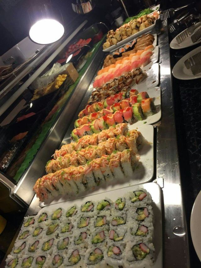 Buffet Places Eat Near Me