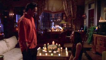 This 'Friends' Superfan's Proposal Is So Perfect That It Rivals Chandler & Monica's