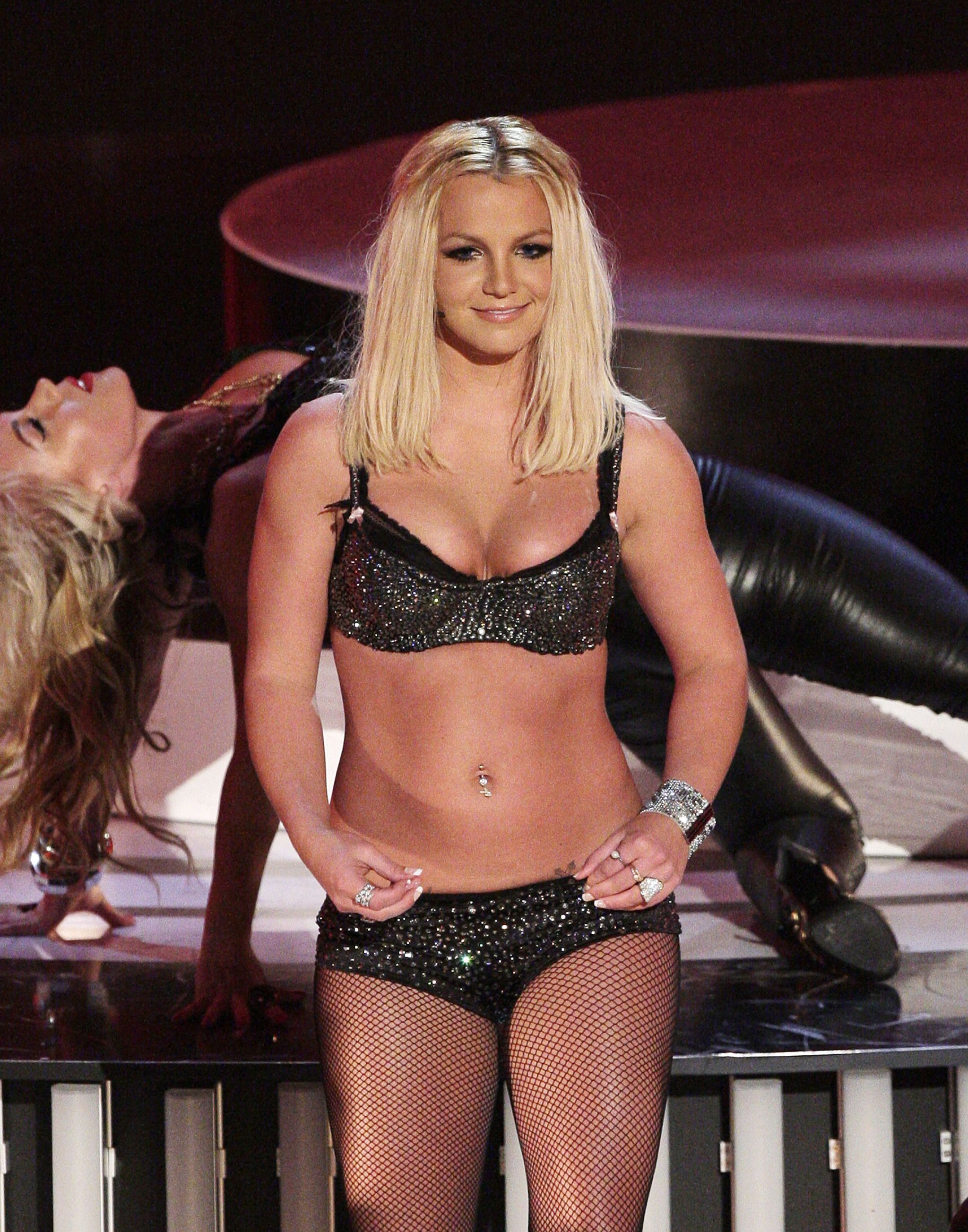 Image result for britney spears 2007 mtv video music awards