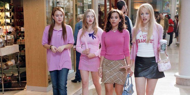 Lindsey Lohan, Amanda Seyfried, Lacey Chabert et Rachel McAdams dans le film Mean Girls.