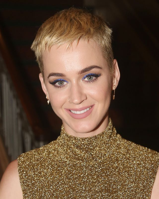 female celebrities with a shaved head - the best ever buzz