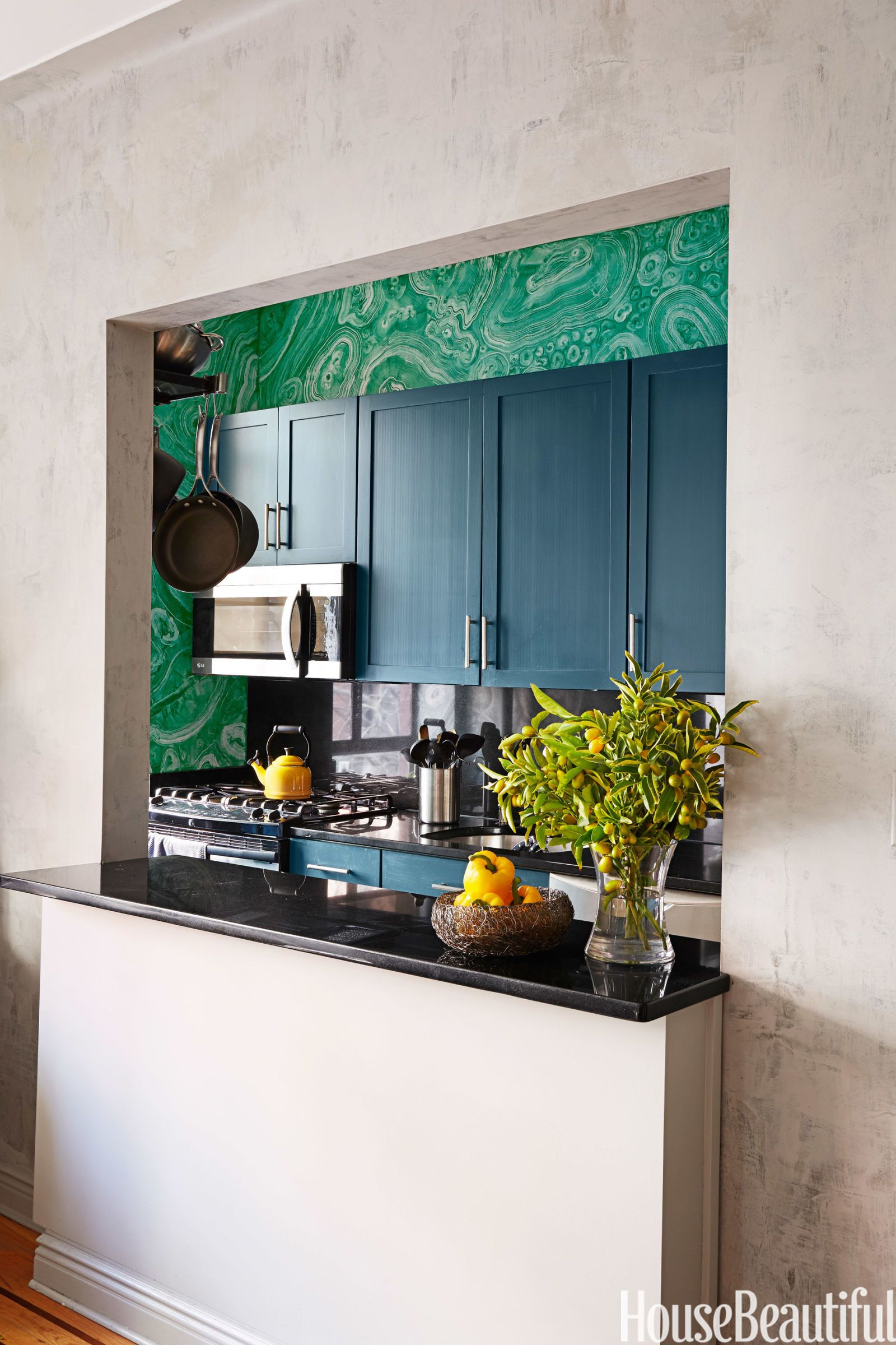 30 Best Small Kitchen Design Ideas - Decorating Solutions ... on Best Small Kitchens  id=20918