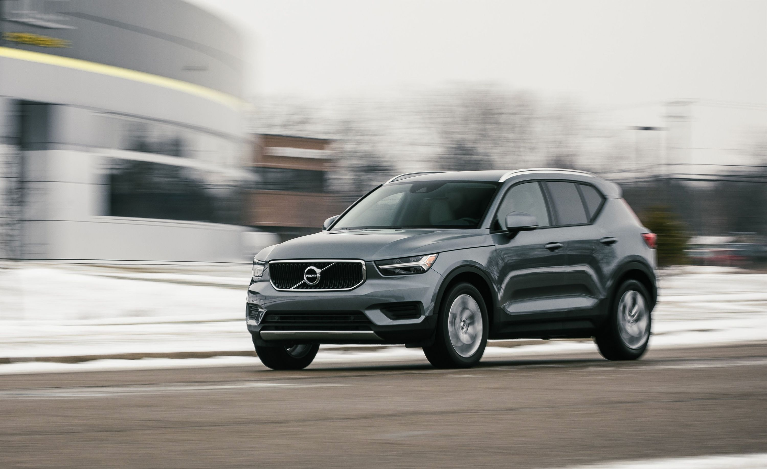 2019 Volvo Xc40 T4 Momentum Affordable And Efficient Suv