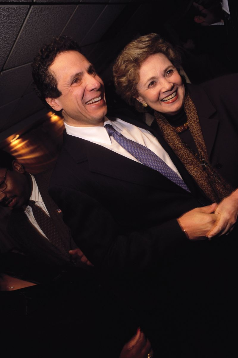 andrew cuomo with his mother at sylvia's