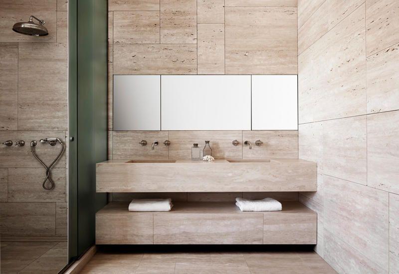 Questo perché non si farebbe altro che creare disordine o mischiare oggetti, forme e colori che, spesso, non hanno niente a che fare gli uni con. Bathroom Furniture Classic Or Modern 5 Inspirational Ideas