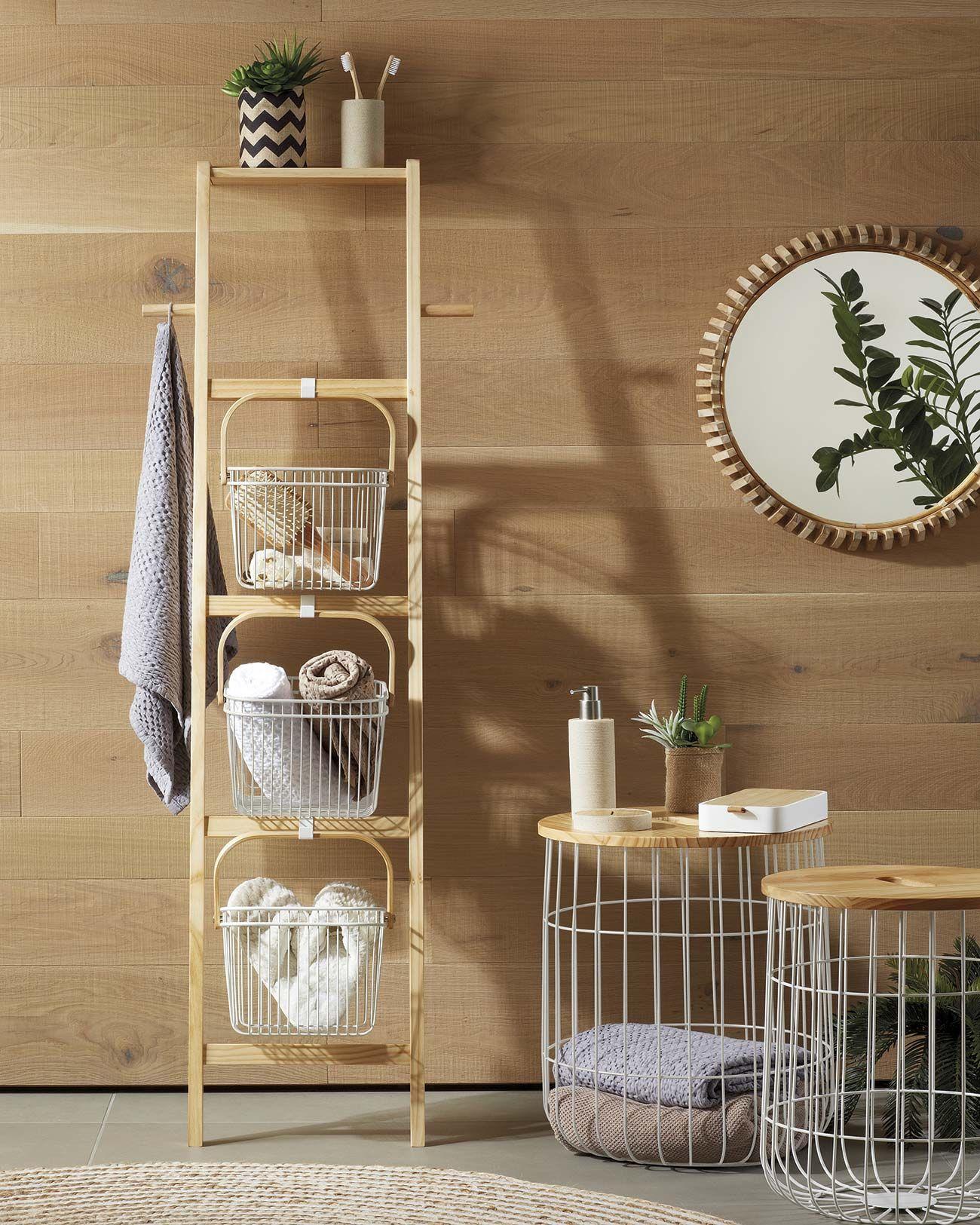 Orden en casa: Baño con estantería de madera