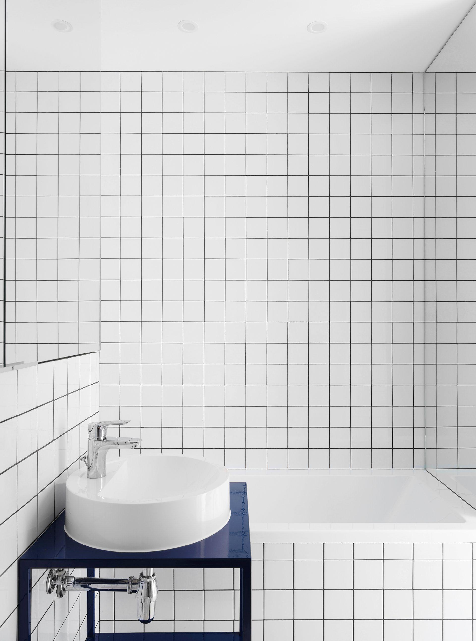 15 chic bathroom lighting ideas