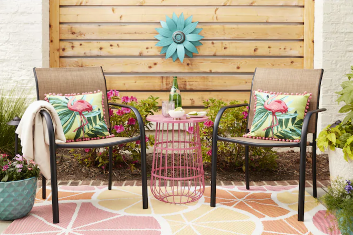 comfortable outdoor patio chairs