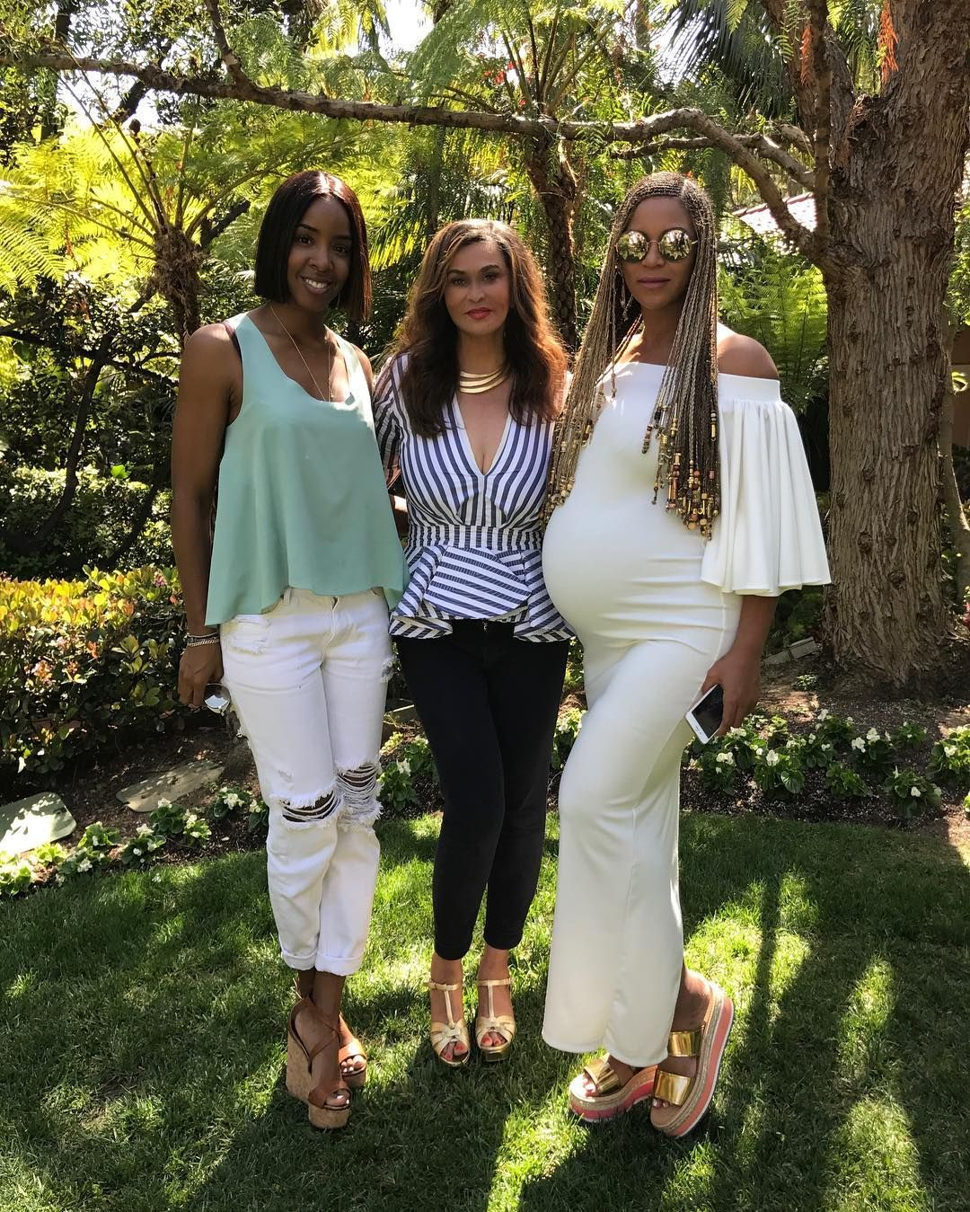 beyonce easter baby bump