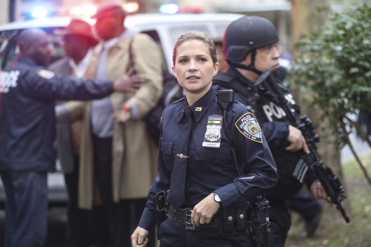 Jamie gets danny involved when he finds a homeless teen who claims his aunt was killed by her boyfriend. Blue Bloods Cast Meet The Cast Of Blue Bloods Season 10