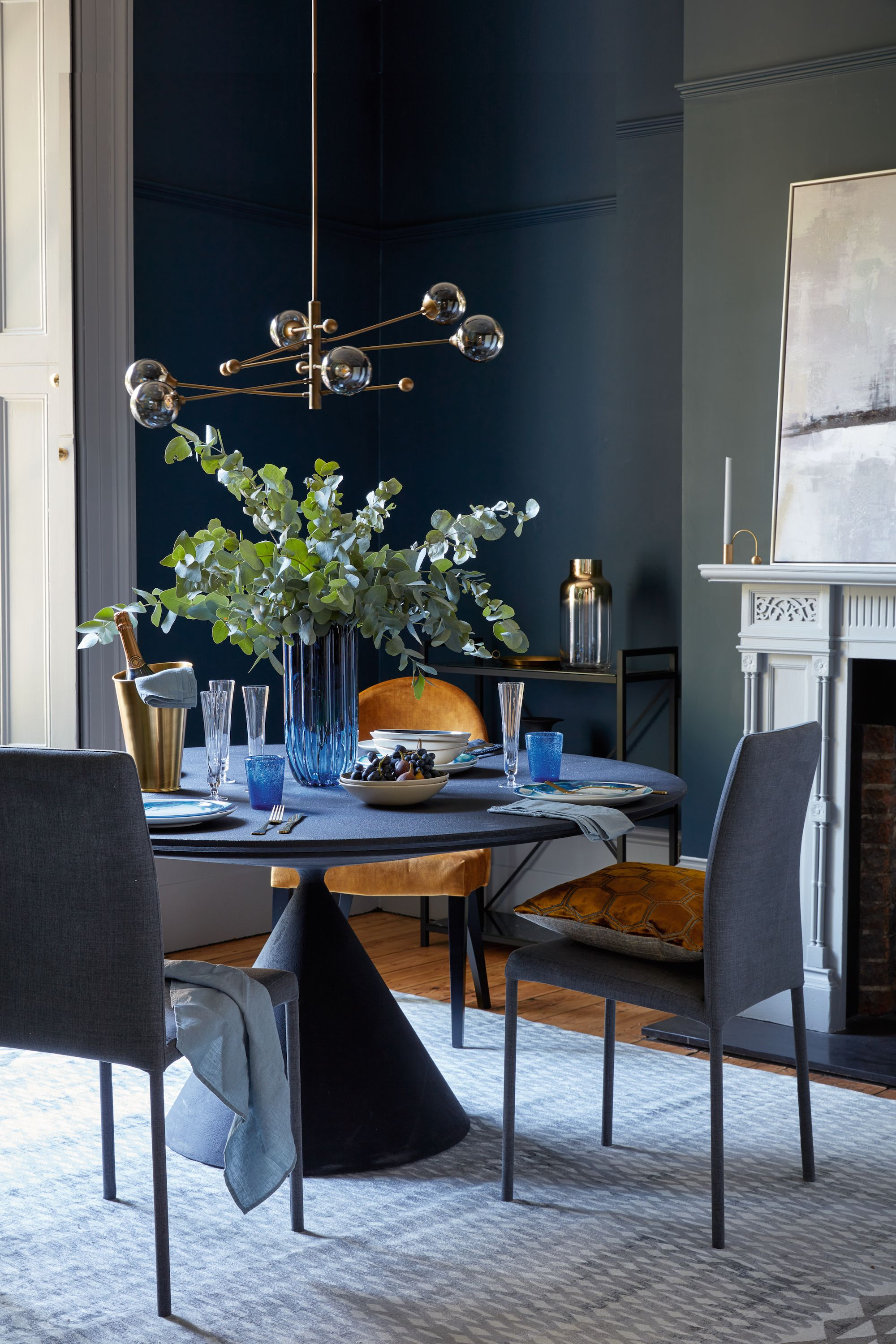 10 interior design to follow when decorating your home 77 Choosing The Right And Fitting Dining Room Table id=12326
