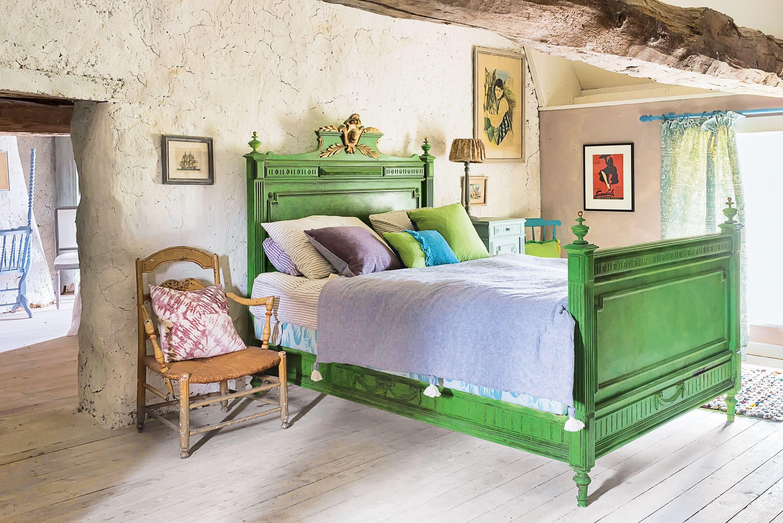 A comfortable, casual vintage style. 12 Best Chalk Paint Colors Pretty Chalk Paint Ideas
