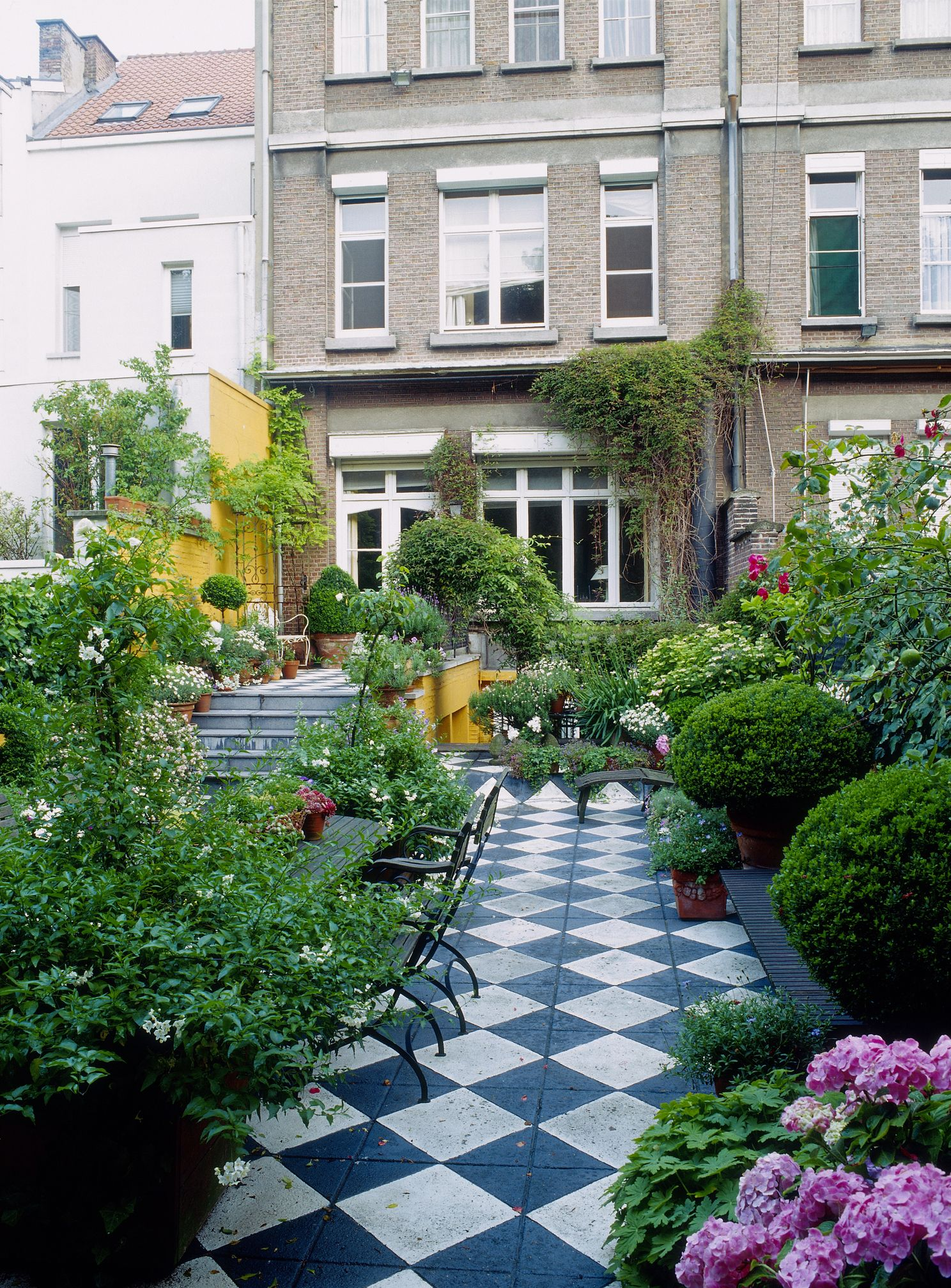 Long Narrow Garden Design Ideas - Garden Shape Ideas on Patio Shape Designs id=71732