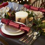30 Elegant Christmas Table Settings Stylish Holiday Table Centerpieces