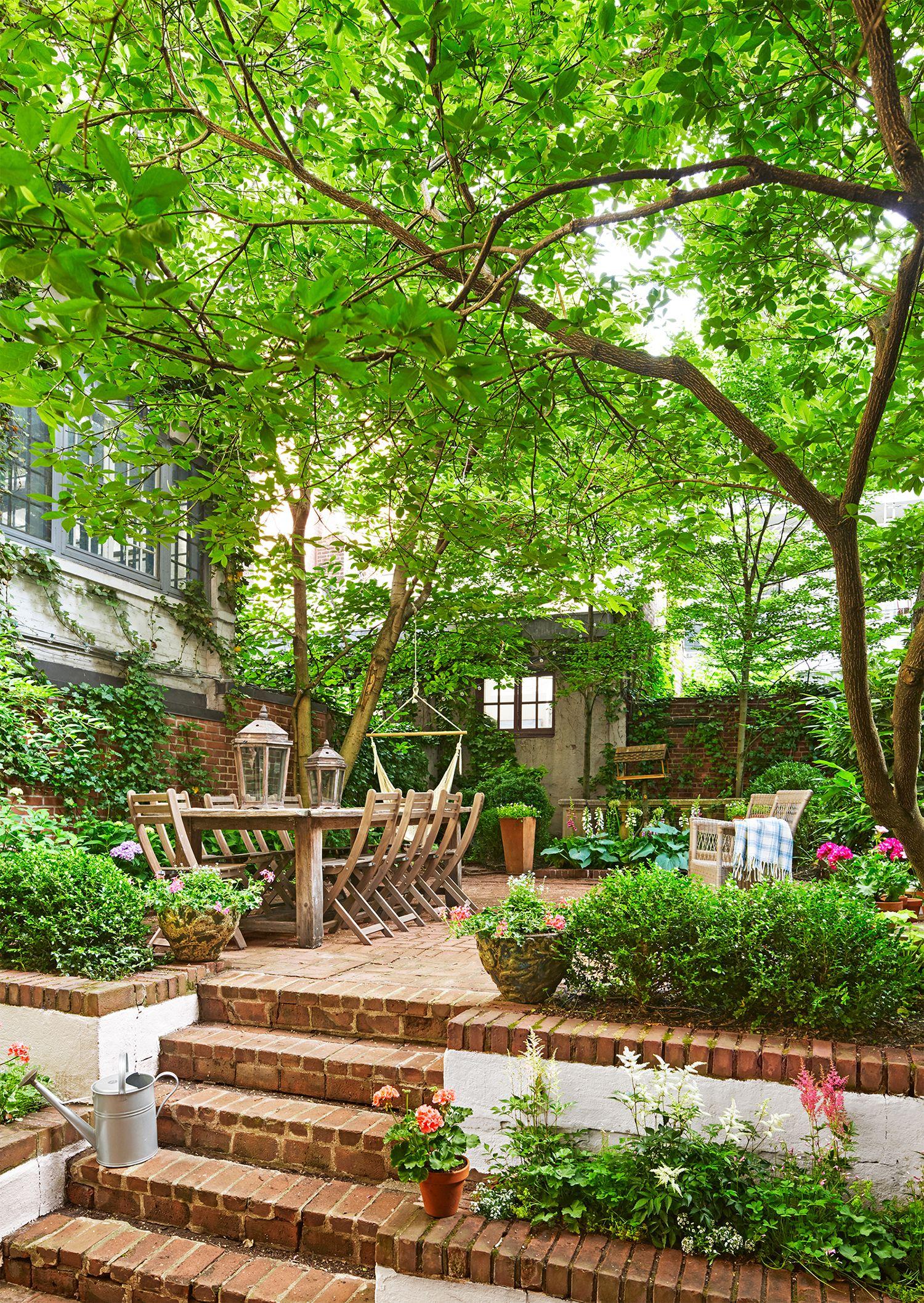 18 Creative Small Garden Ideas - Indoor and Outdoor Garden ... on Small Backyard Garden Design id=83458