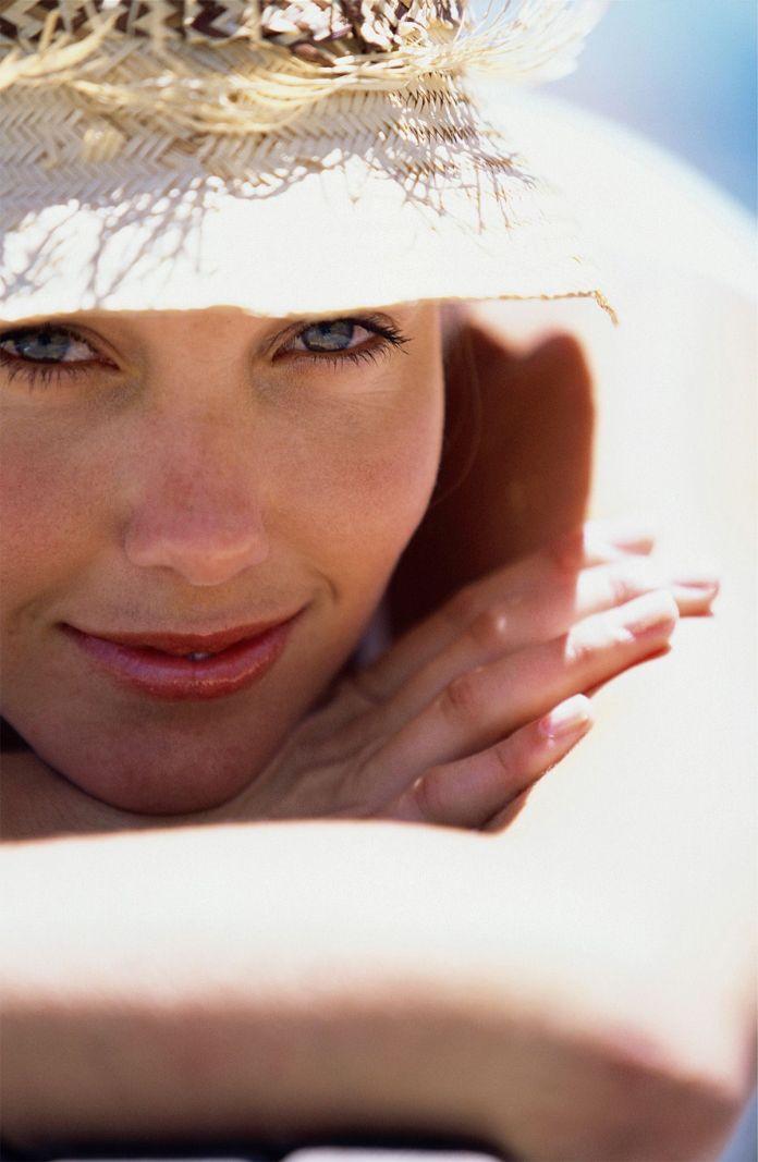 Cuca Miquel nos enseña a eliminar las marcas y manchas del verano en la piel de la cara