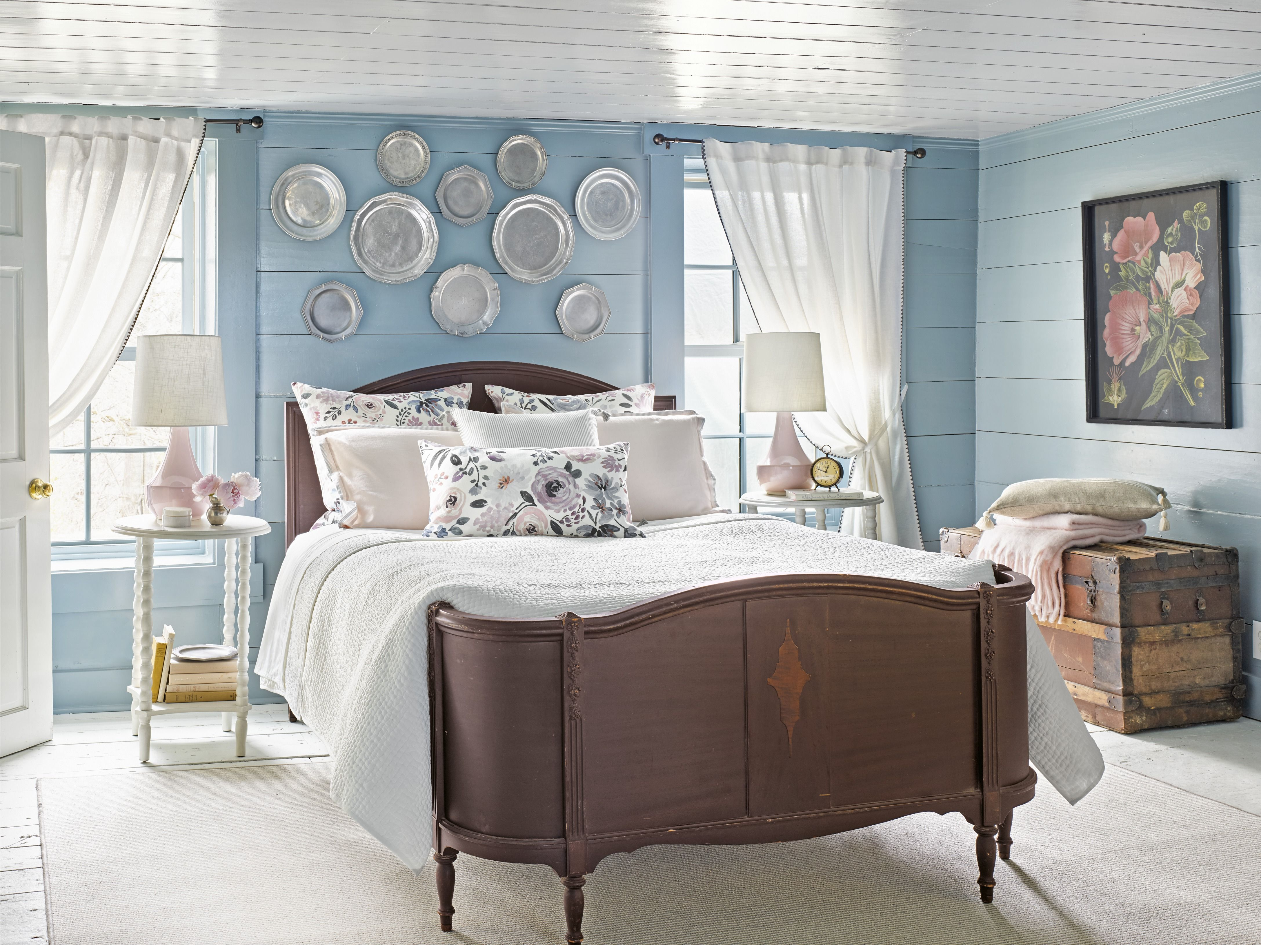 27 Best Paint Colors for Small Rooms - Painting Small Rooms on Good Bedroom Ideas For Small Rooms  id=72569