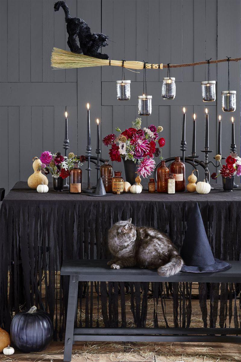 20 Spooky DIY Halloween Decorations   alpha ragas