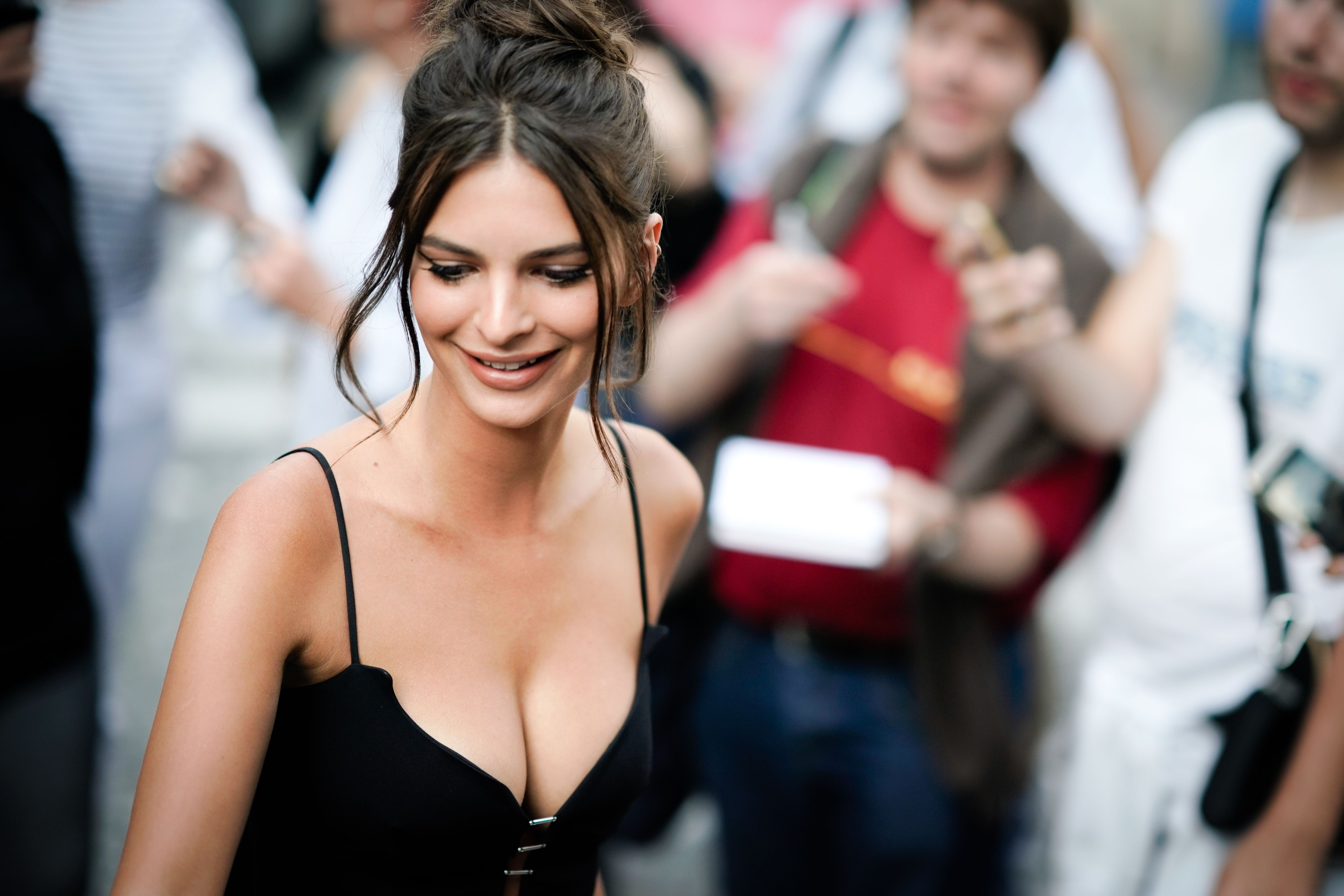 emily ratajkowski is being sued over an