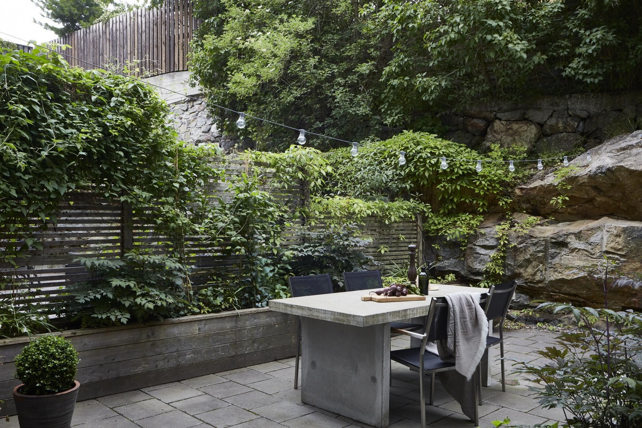 17 Best Backyard Privacy Fence Ideas for Every Style and Need on Decorations For Privacy Fence id=38924