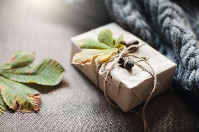 fun things to do on thanksgiving — yankee gift swap