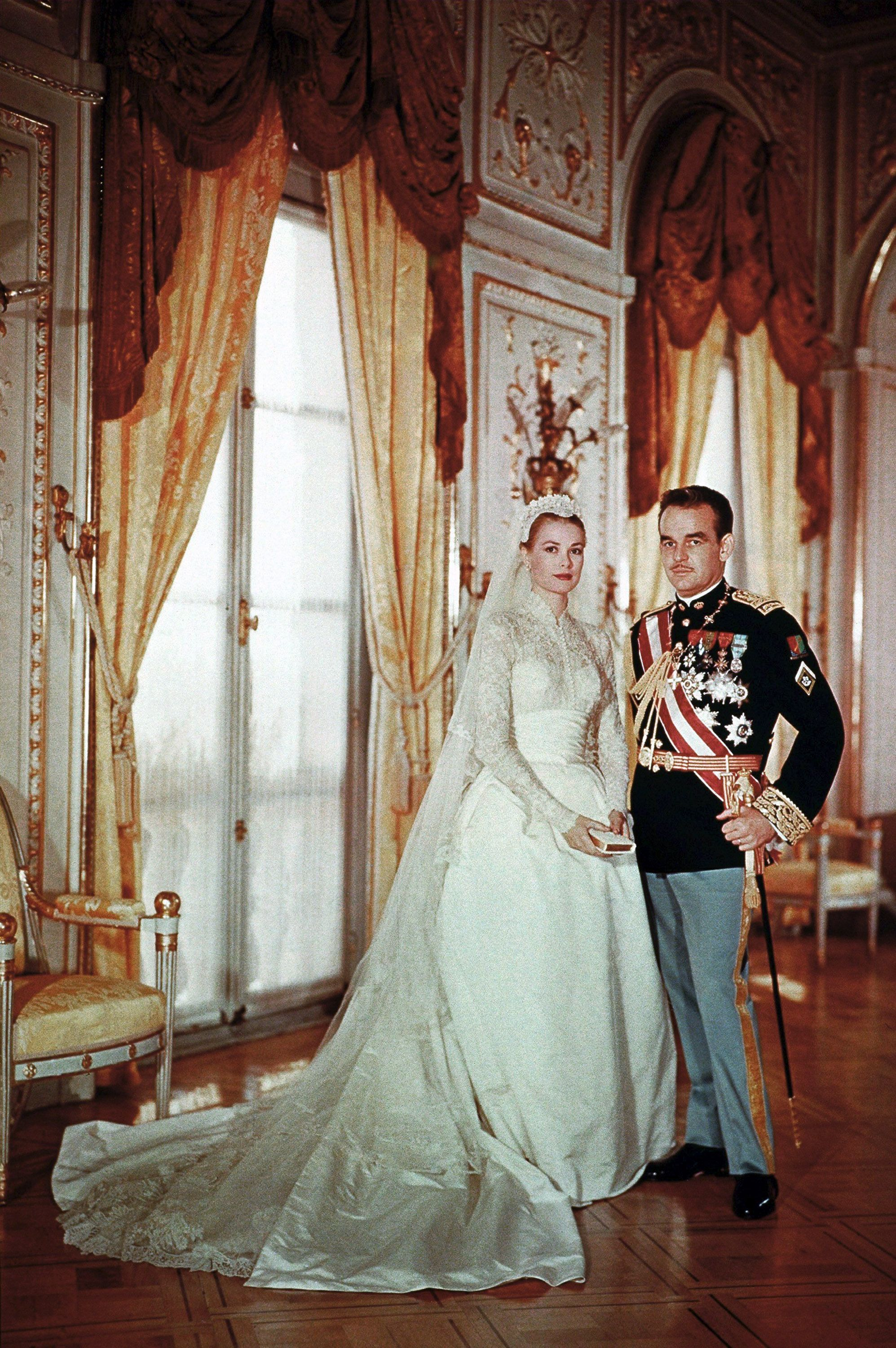Grace Kelly S Wedding Details Photos Of Grace Kelly S Wedding Dress