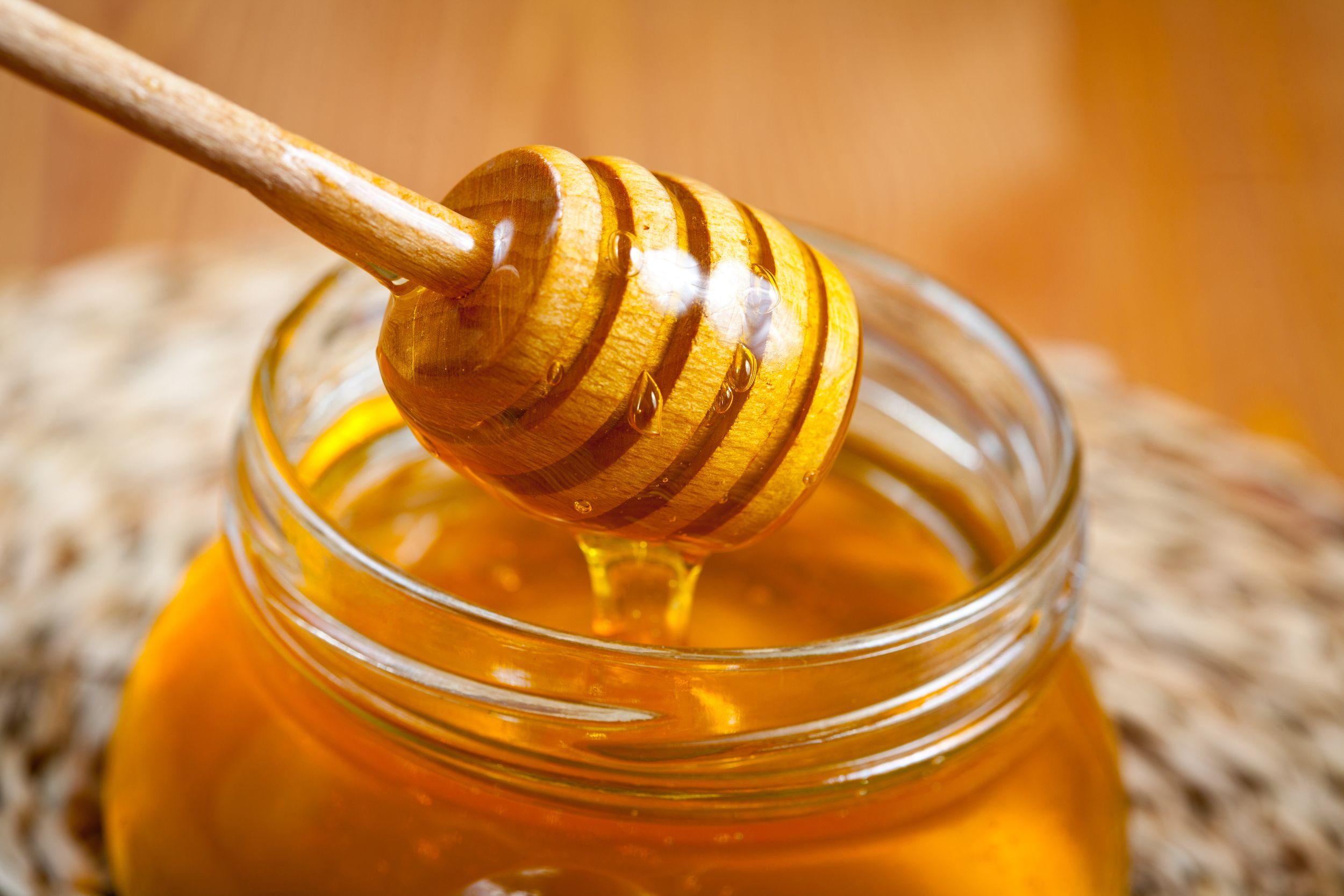 Aplicar miel y limón