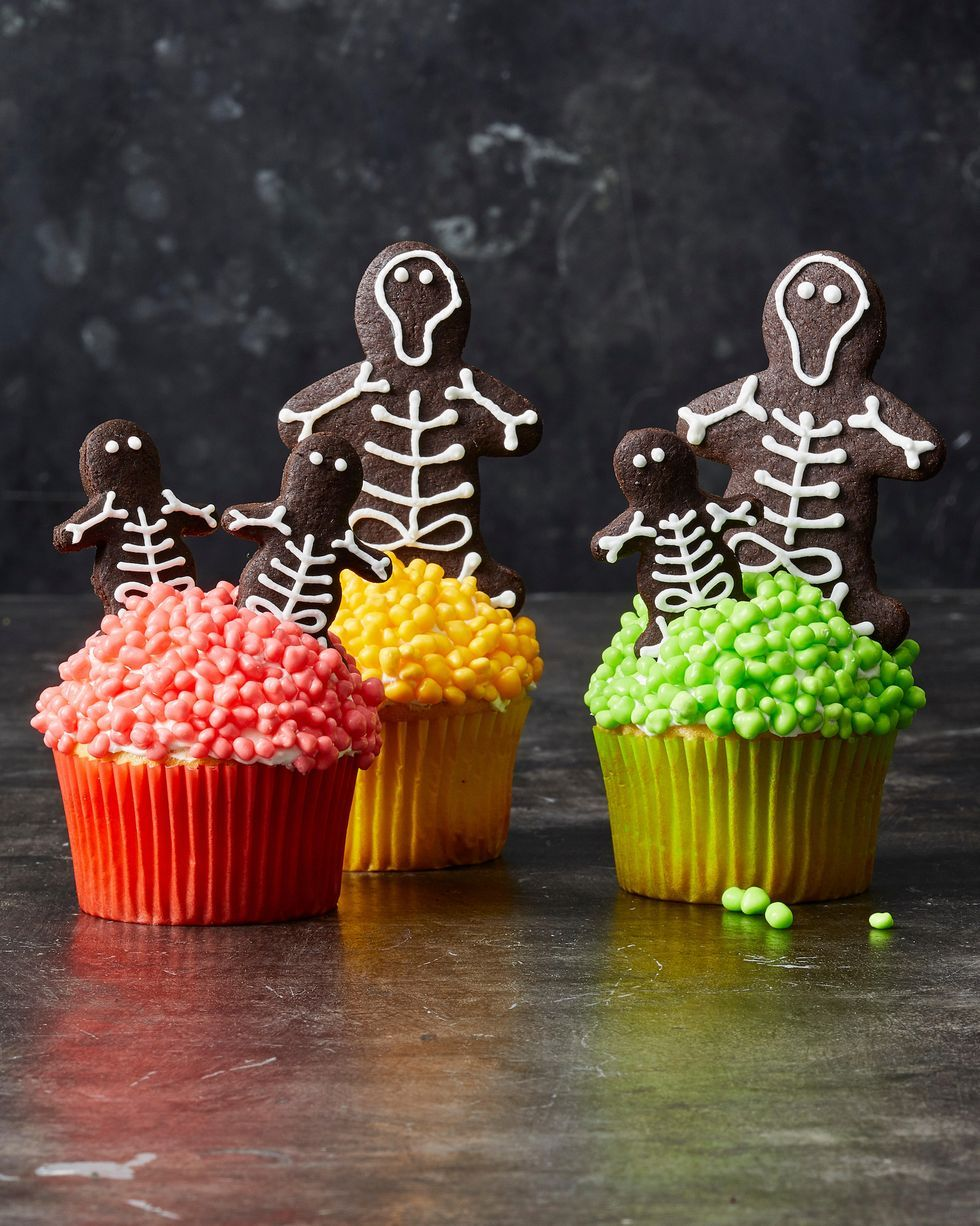 But instead of buying party decorations that are generic, impersonal — and maybe even boring — why not put your crafting skills to use and diy some d. 60 Best Halloween Desserts Easy Halloween Treats Recipes And Ideas