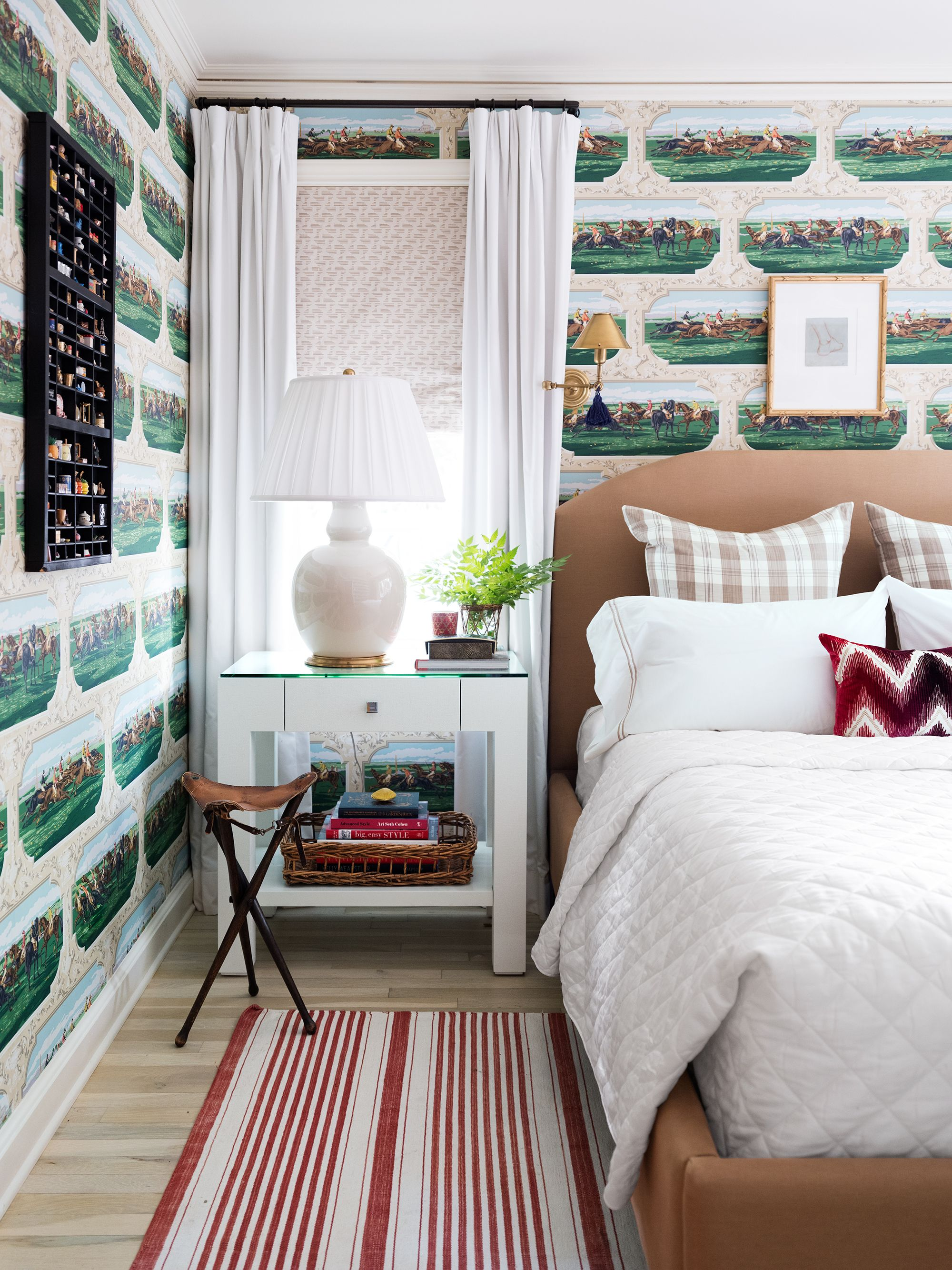 27 Bold Bedroom Wallpaper Ideas We Love - Timeless Bedroom ... on Bed Ideas For Small Rooms  id=38634