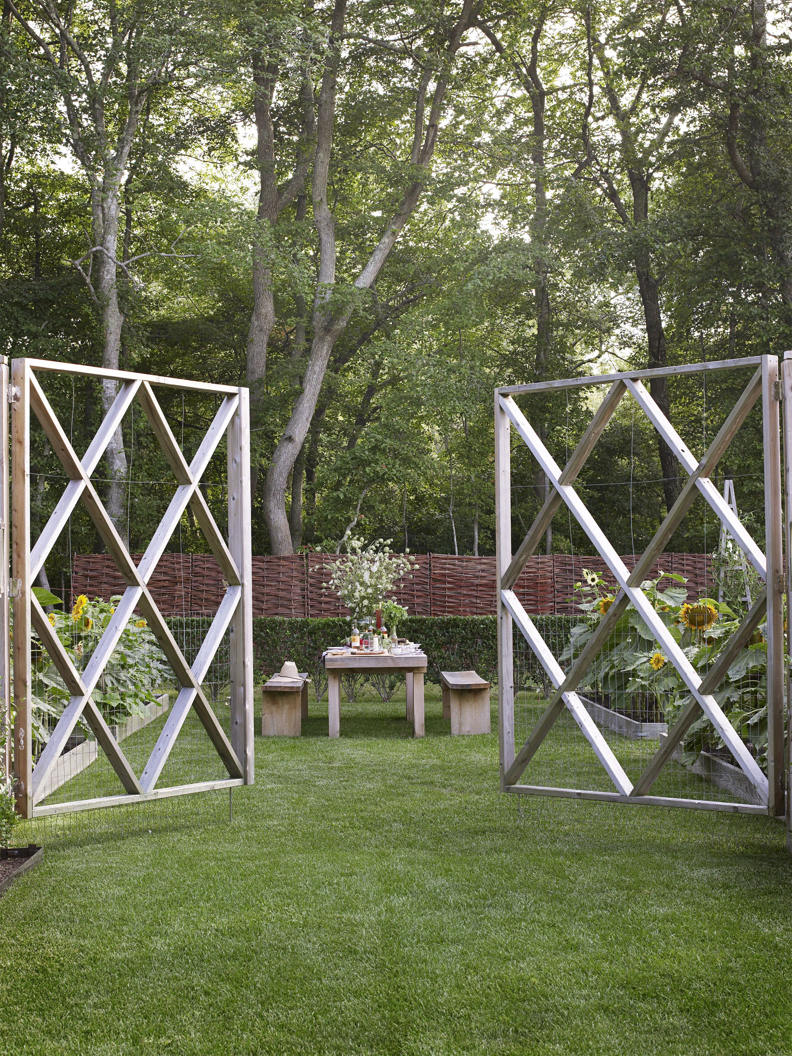 backyard privacy fence ideas for