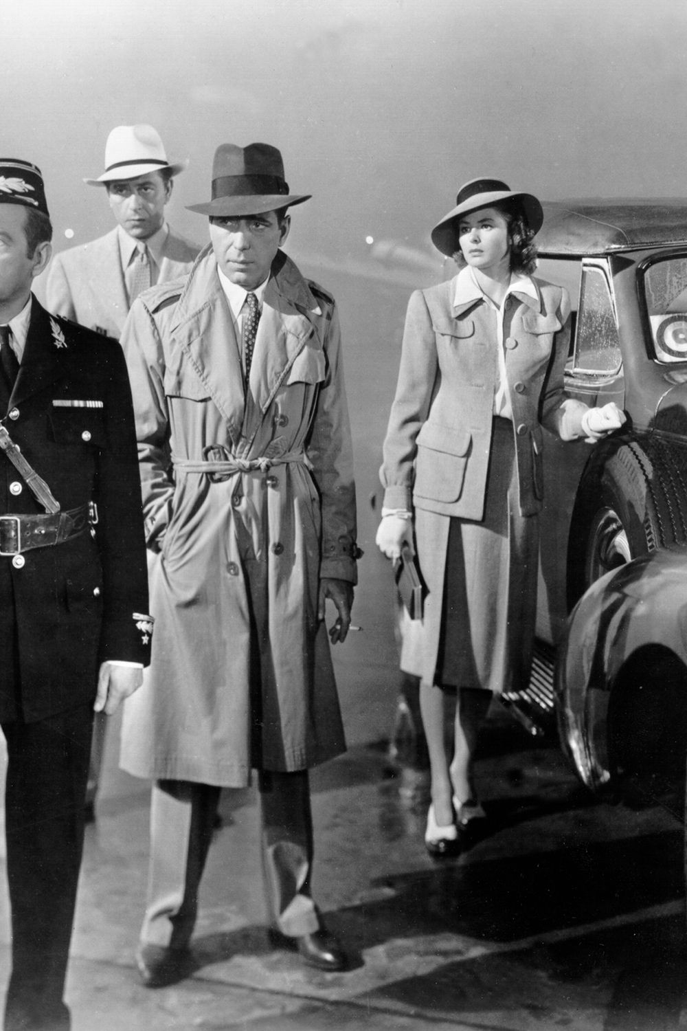 los angeles 1942 a movie still of l r unidentified, claude rains, paul henreid, humphrey bogart and ingrid bergman on the set of the warner bros classic film 'casablanca' in 1942 in los angeles, california photo by michael ochs archivesgetty images