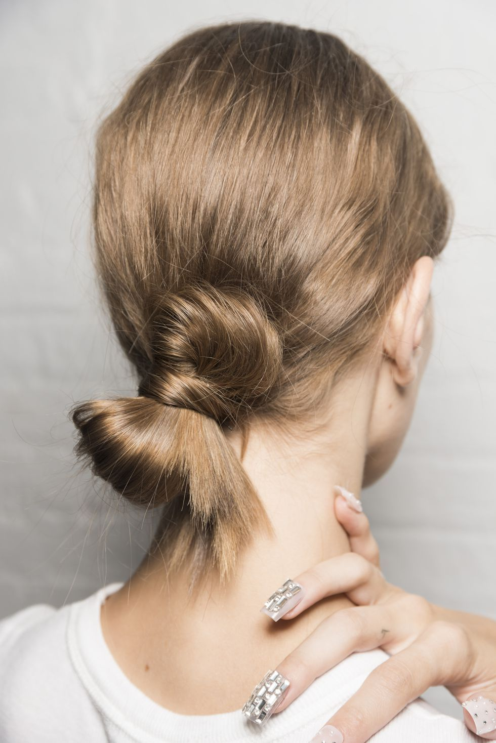 30 Wedding Guest Hairstyle Ideas Wedding Guest Hair Ideas Inspired By The Runway And Red Carpet