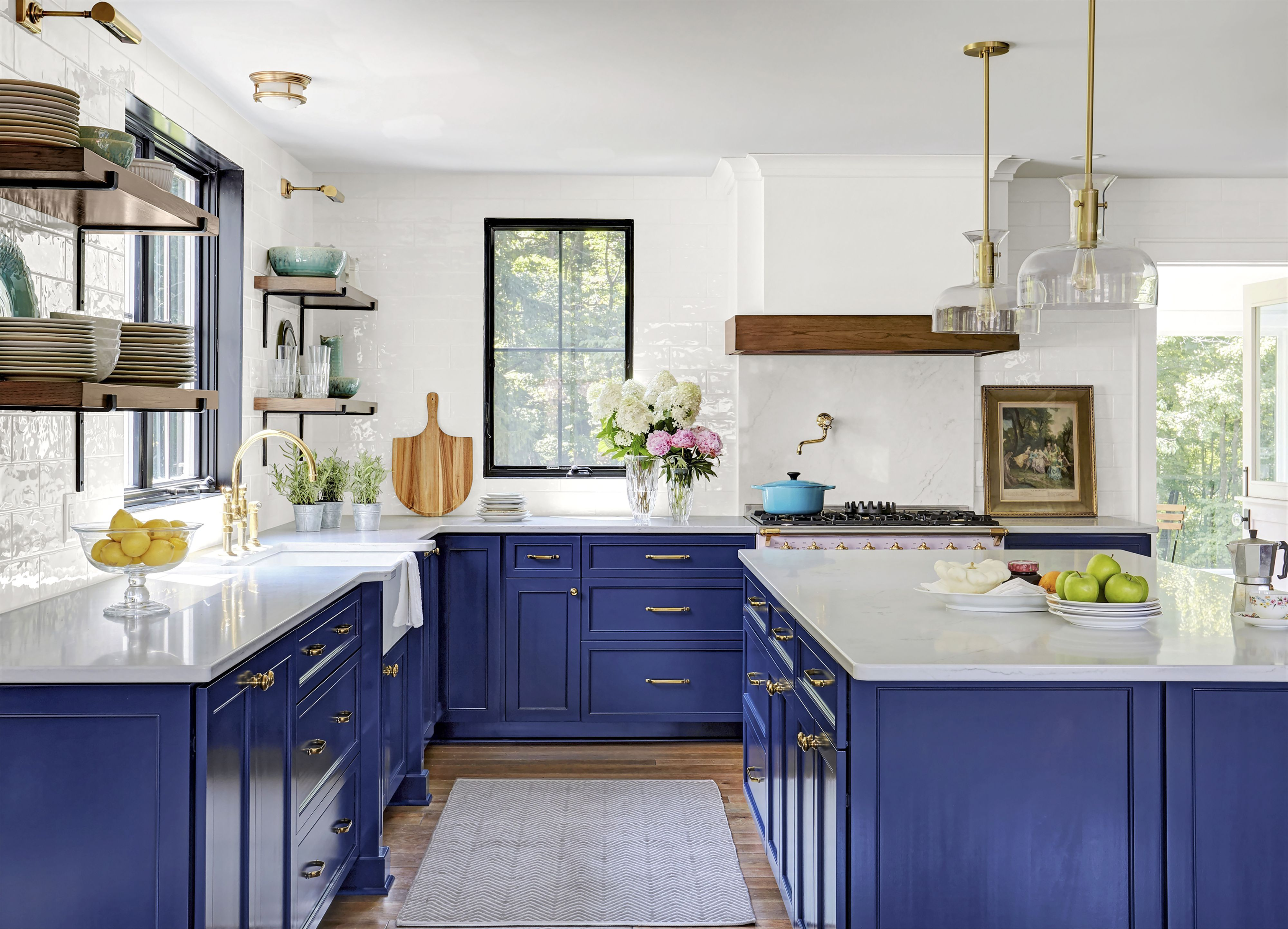 home decor trends 2020 - colored cabinets