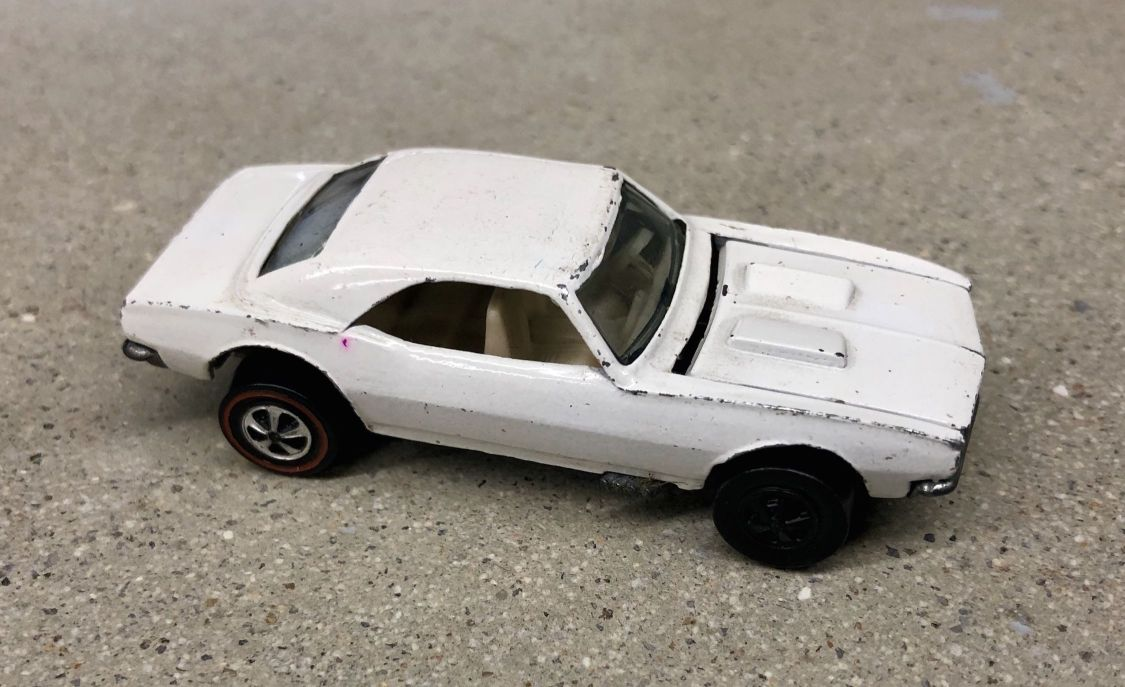 white-custom-camaro-hot-wheels