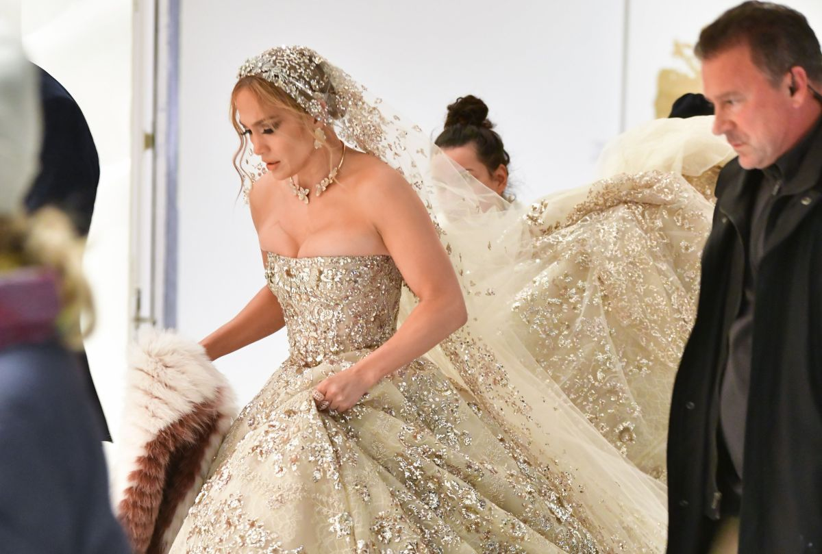 Jennifer Lopez's 'Marry Me' Wedding Dress Pics Are Stunning