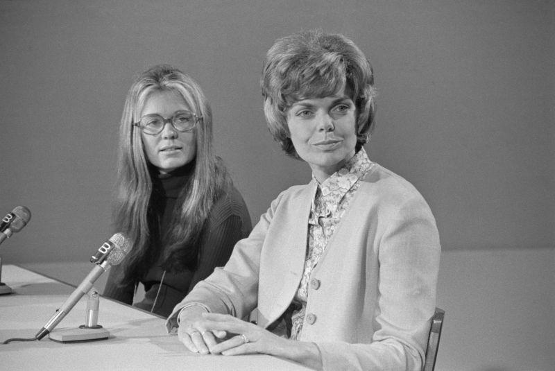 women's liberator jill rockelshaus and feminist gloria steinem