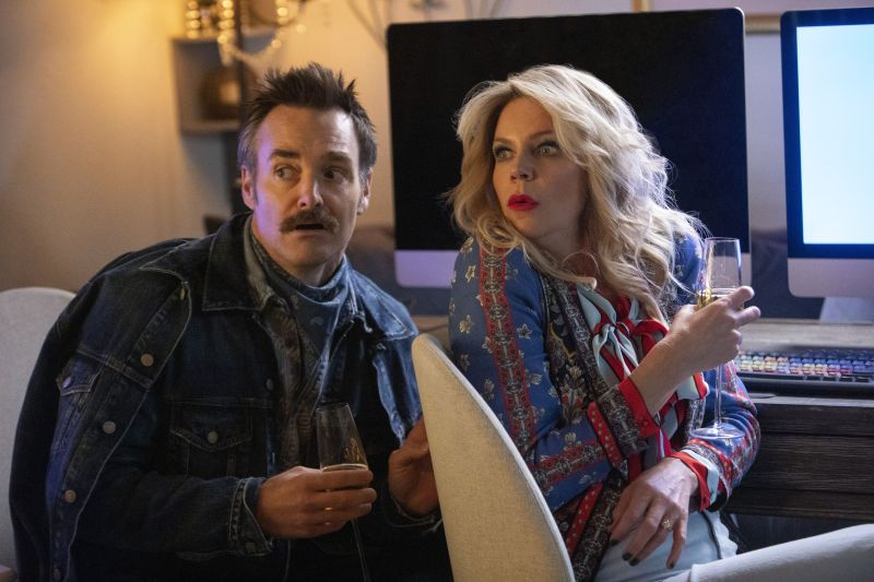 will forte and kaitlin olson in quibi comedy, flipped