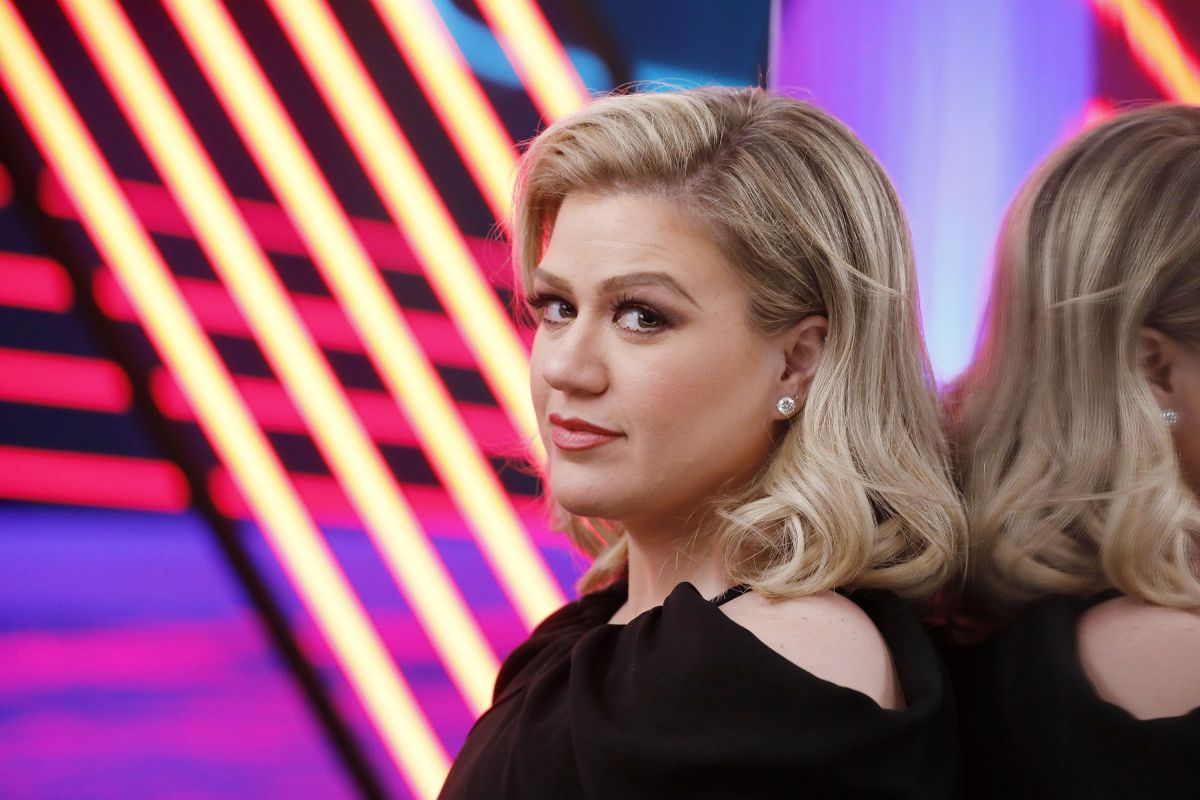 Kelly Clarkson on Winning 'American Idol' and Why She's a Coach on NBC's  'The Voice'